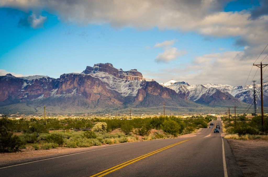 Roadway next to the beautiful superstition mountains in arizona