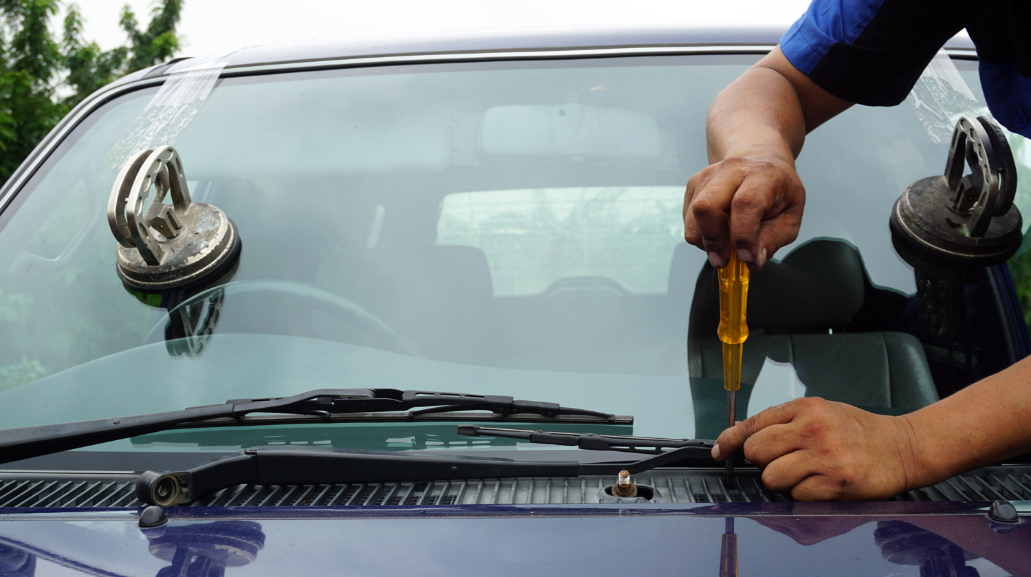 Arvada Colorado Windshield Repair on Car